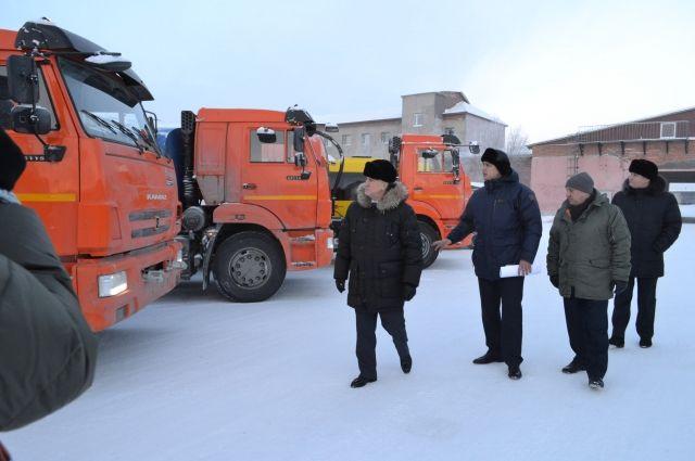 В Надым поступил новый транспорт для перевозки людей и коммунальных нужд