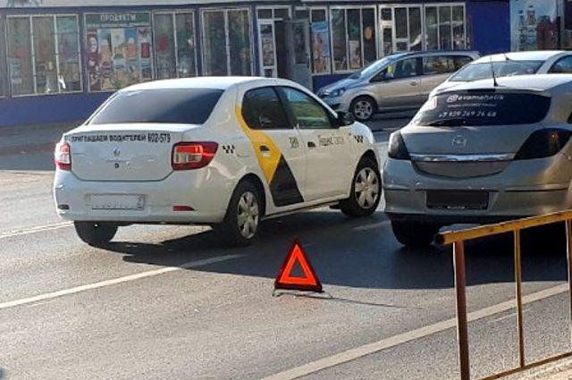 В последнее время в Перми увеличилось количество аварий с участием такси.