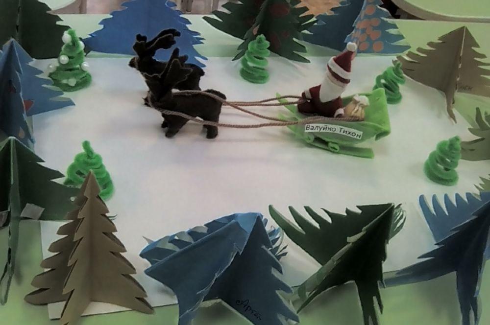 Валуйко Тихон, 7 лет, «Дед Мороз везет подарки»