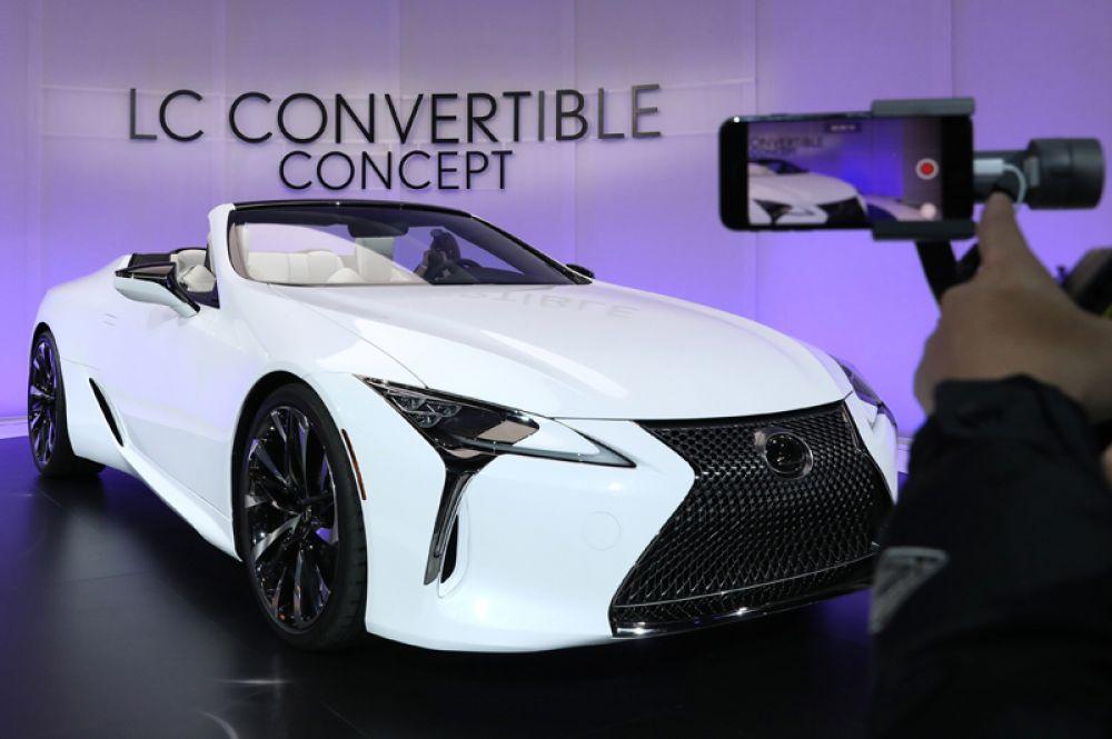 Концепт Lexus LC Convertible.