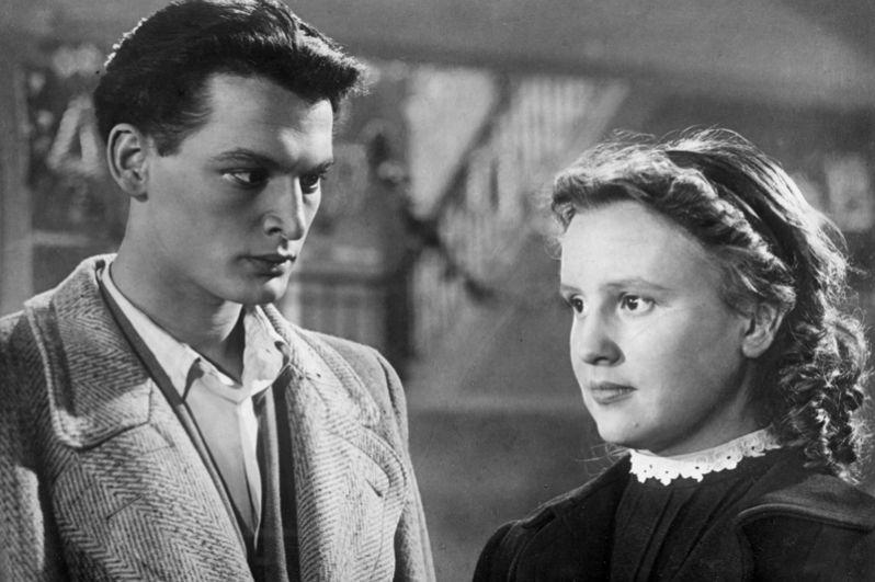 «Аттестат зрелости» (1954) — Валентин Листовский.