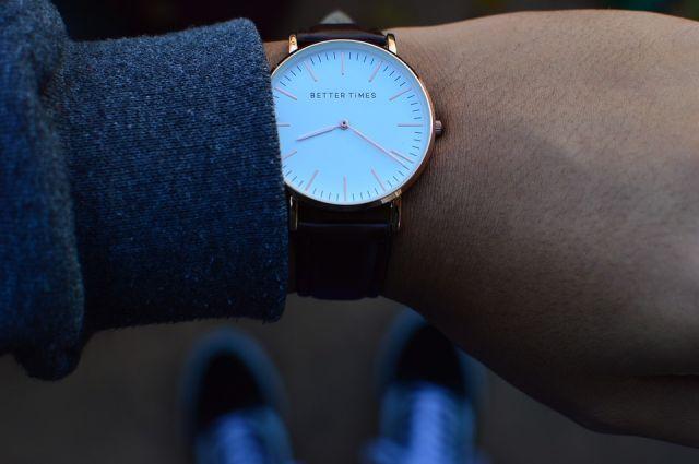 Купленные перед Новым годом часы проработали лишь две недели.