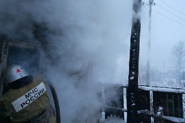 Пожар на заводе тушили в Комсомольске.