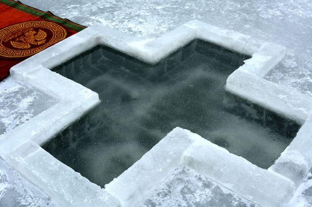 Более 40 купелей мест забора воды откроют на Крещение в Хабаровском крае.
