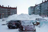 К 4 января Воркуту завалило снегом, а потом и мусором. Есть десяток адресов в городе и Воргашоре, где тяжёлая техника так и не смогла подъехать к контейнерным площадкам.