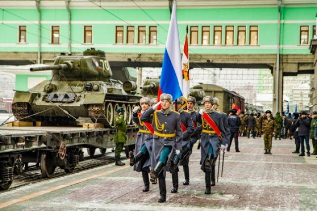 Танки проехали через Новосибирск 16 января.