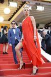 Кейт Мосс на красной ковровой дорожке 69-го Каннского кинофестиваля. 2016 год.