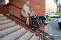 Тюменцы пройдут подготовку по уходу за инвалидами и пенсионерами