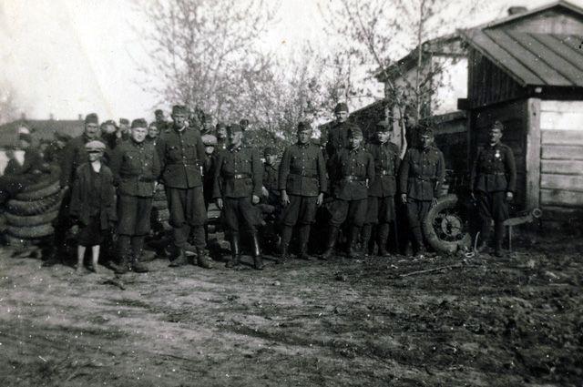 «Великолепные гусары подожгли село». Зачем Венгрия чтит союзников Гитлера? - Real estate