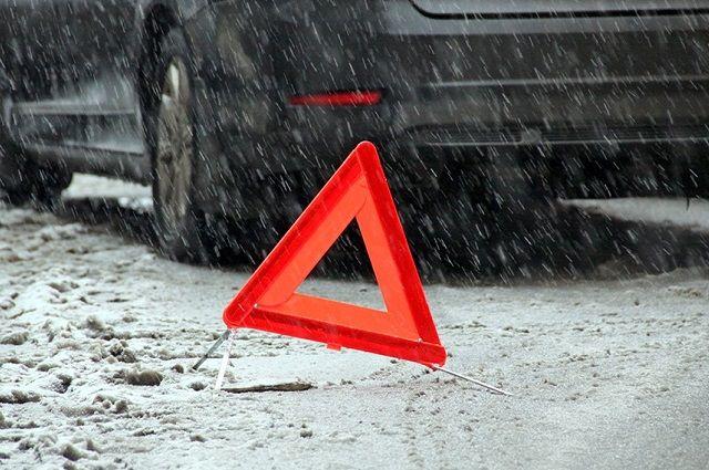 В Тюменской области в аварии пострадали три человека