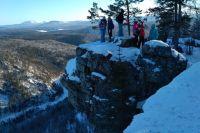 Большинство туристов мечтают просто сделать селфи на вершине.