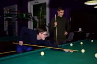 Ямальский подросток сыграл в бильярд с автогонщиком Формулы-1