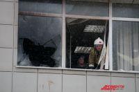 Пожарные спасли 15 человек с третьего и четвёртого этажей.