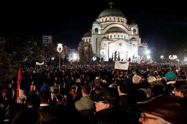 Путина в Белграде приветствовали почти 130 тысяч человек