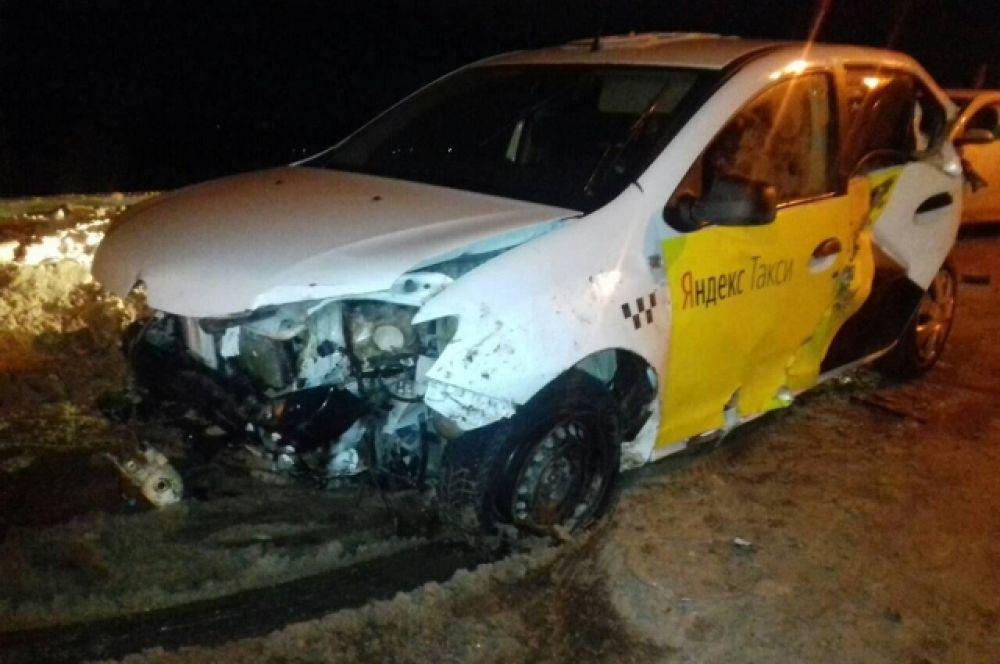 В ходе рейда ГИБДД задержали таксиста с поддельными правами.