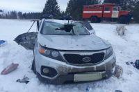 В результате ДТП пассажиры автомобиля «Киа-Соренто»: 35-летняя девушка получила травмы; 56-летняя женщина скончалась на месте.
