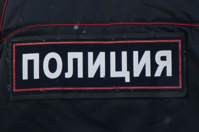 Иностранец покусал сотрудника полиции за ногу в Хабаровске.