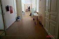 В тюменских поликлиниках свеели масочный режим