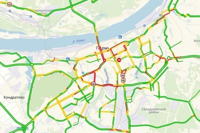 По данным сервиса «Яндекс. Пробки» ДТП также произошли на улице Докучаева и улице Чкалова.