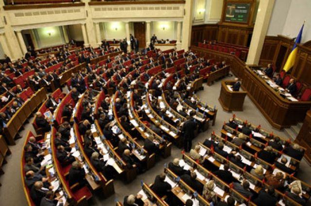 Рада разрешила отключать электричество поставщикам услуг населению за долги