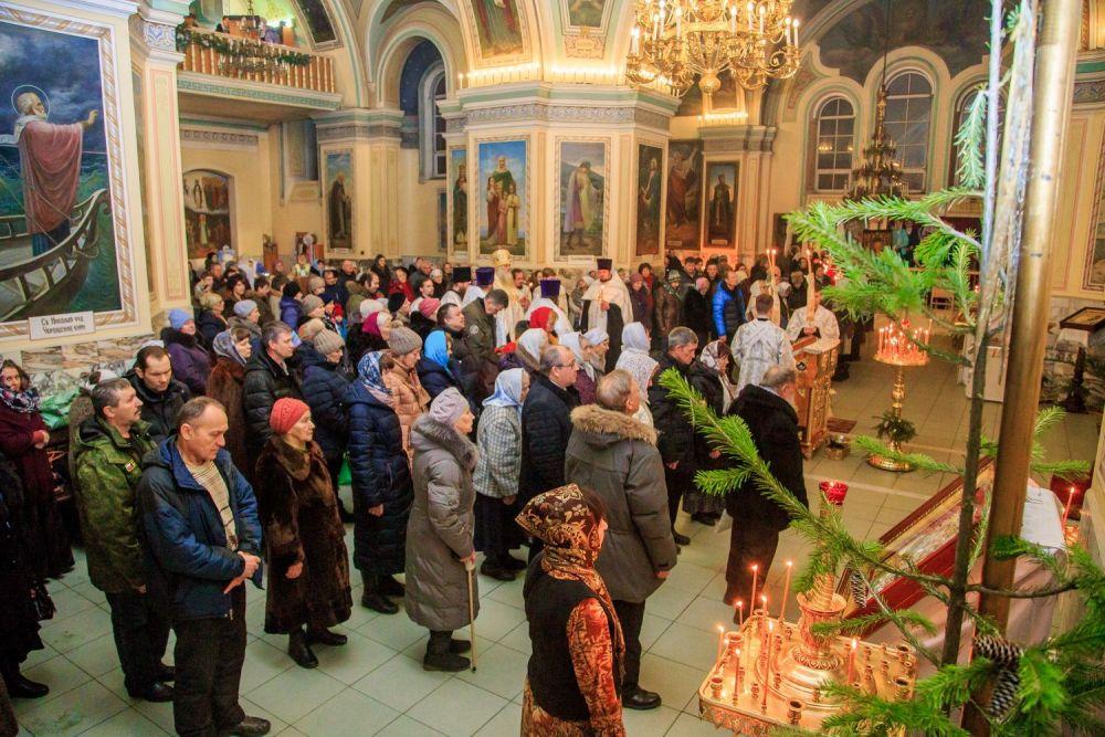 Всенощное бдение в Покровском соборе.
