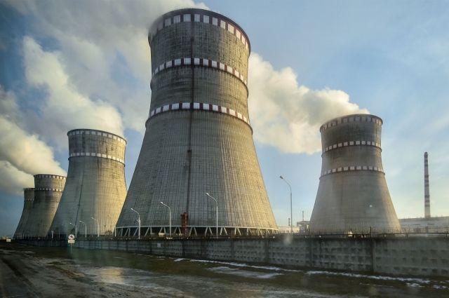 Вгосударстве Украина из-за системы защиты отключили энергоблок Ровенской АЭС