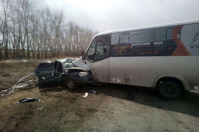 Аварии с выездом на встречку в Омске происходят часто.