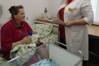 Несмотря на возраст женщины, роды прошли без осложнений. Женщина родила здорового мальчика.