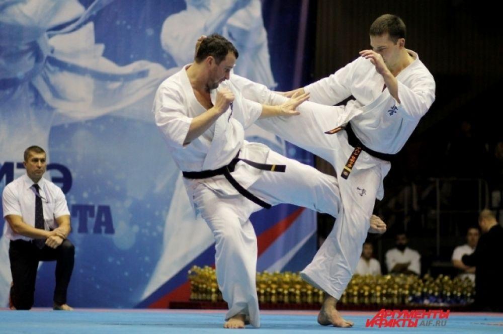 Первенство Сибири проводилось среди спортсменов 10-11, 12-13, 14-15, 16-17 лет.