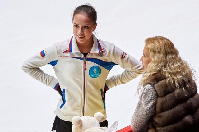 Алина Загитова и её тренер Этери Тутберидзе.