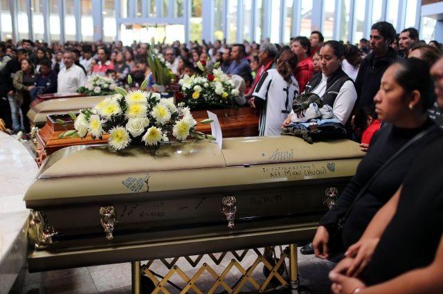 Число погибших при взрыве на трубопроводе в Мексике превысило 90 человек