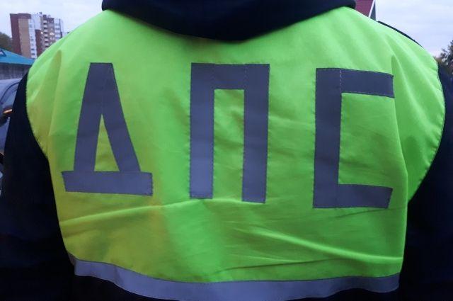 Водители автобусов дают показания в ГИБДД.