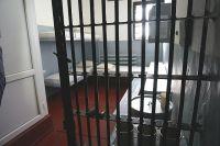 Оренбуржцу грозит до 10 лет тюрьмы за найденные в подъезде наркотики