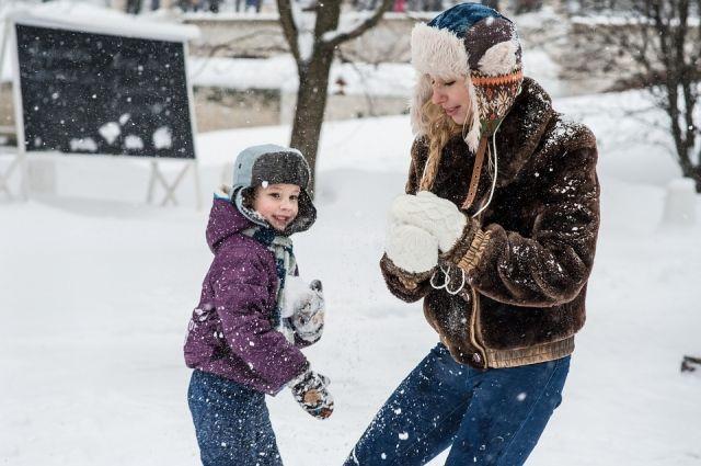 Жители Салехарда отметили День снега