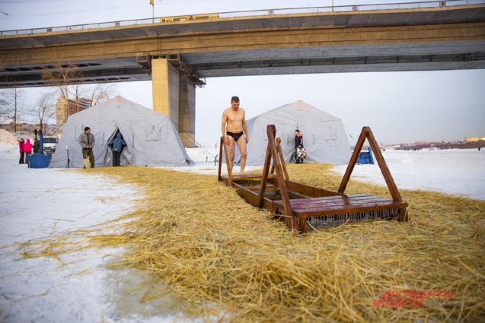 По словам спасателей МАСС во время крещенских купаний в Новосибирске не было происшествий и несанкционированных заплывов.