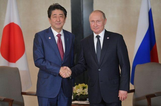 В программу визита Синдзо Абэ в Москву входят только переговоры с Путиным