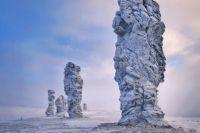 Высота одного столба на плато Маньпупунёр составляет 34 метра.