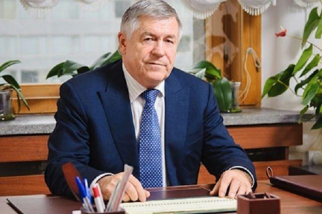 Тюменского депутата Эрнеста Валеева наградили орденом Александра Невского