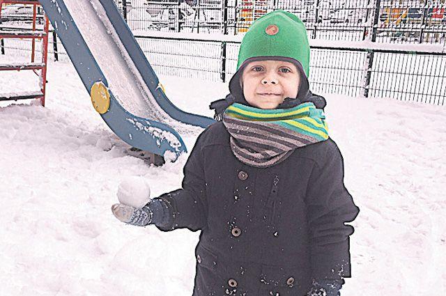 В Цюрихе хорошо, а дома – на ледяной горке, да со снежками – лучше!