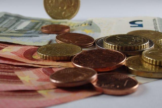 Начальник почтового отделения под Хабаровском присвоила себе чужие деньги.