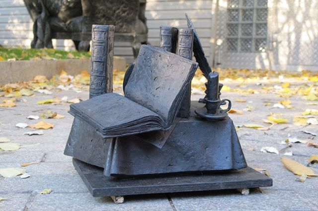 Проект памятника словарю Далю в Оренбурге занял вторую строчку конкурса
