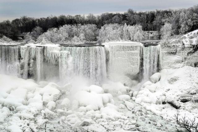 Замерзший Ниагарский водопад - Real estate