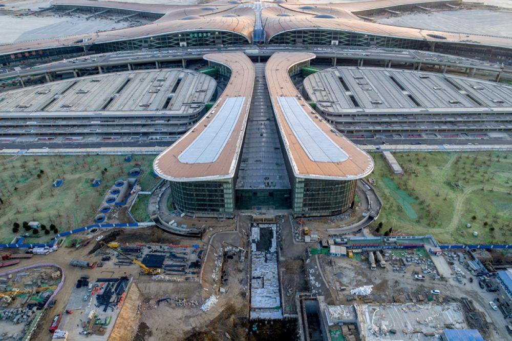 Предполагается, что пассажиропоток всех терминалов аэропорта к 2025 году может составить 72 млн. пассажиров в год.