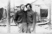 Ректор ННГУ Евгений Чупрунов (слева) в студенческие годы обрёл настоящих друзей.