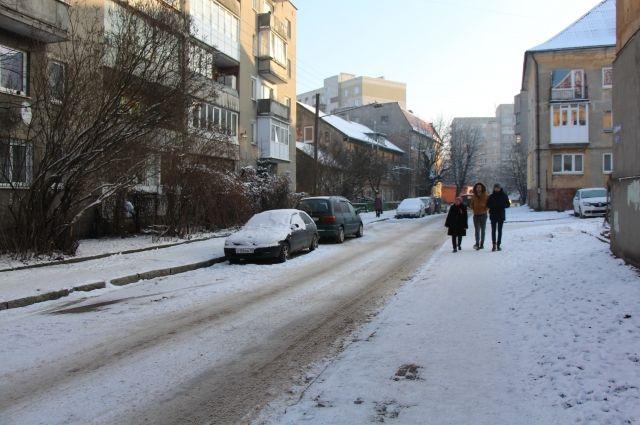 В Калининграде определяют места будущих парковок, пешеходных переходов и тротуаров