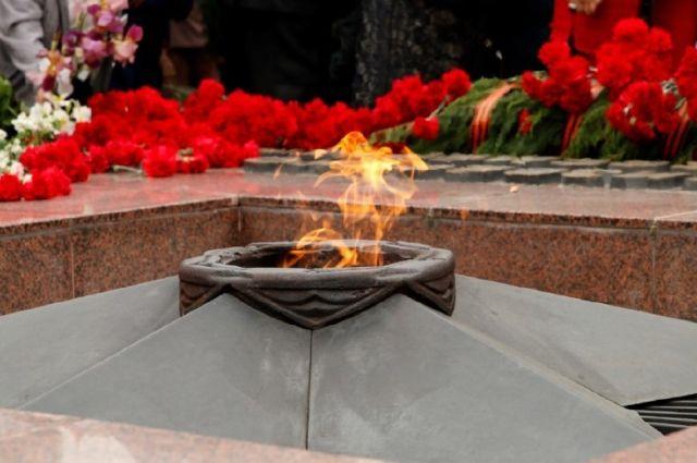 У вечного огня помянут участников блокадного Ленинграда