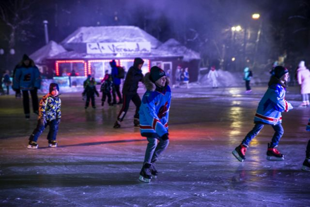 Тюменские студенты смогут покататься на коньках бесплатно