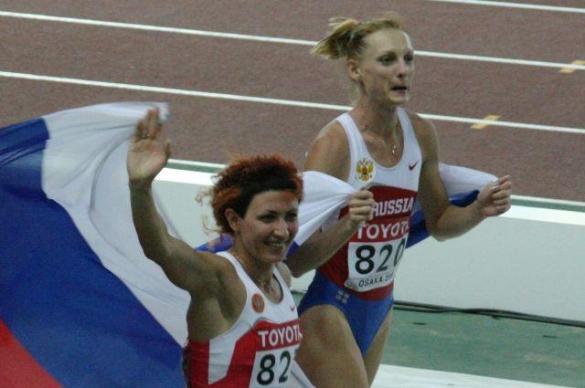 Татьяна Котова справа.