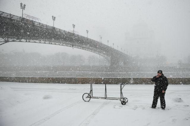 Синоптики предупредили озаносах из-за самого сильного снегопада в столице