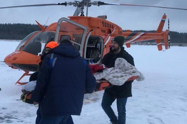 Двух человек из Ванино снова пришлось вести в больницу санавиацией.
